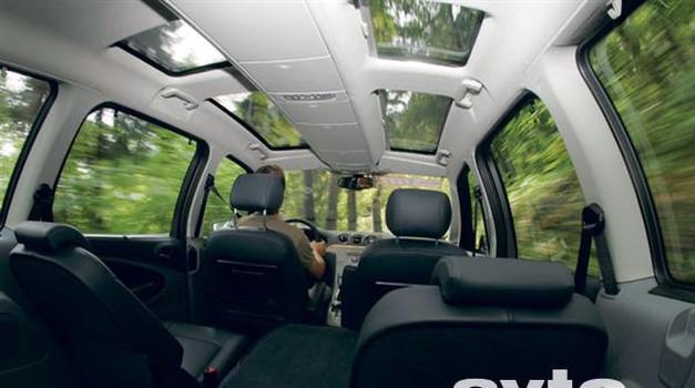 Ford Galaxy 2.0 TDCi Ghia
