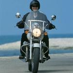 Nevarnost, ki preti lastniku: da motocikel odpelje dekle.
