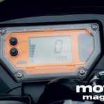 KTM: Oranžno osvetljen zaslon ne prikazuje motornih vrtljajev.