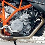 KTM: Prožen dvovaljnik lepo pristoji supermoto temperamentu.