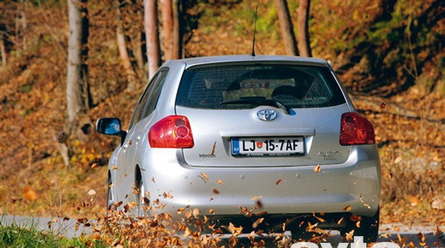 Toyota Auris 2.2 D-4D (130 kW) Sport (5 vrat)