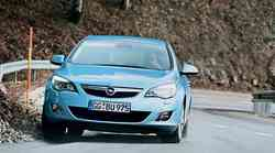 Test: Opel Astra 2.0 CDTI (118 kW) AT Cosmo (5 vrat)