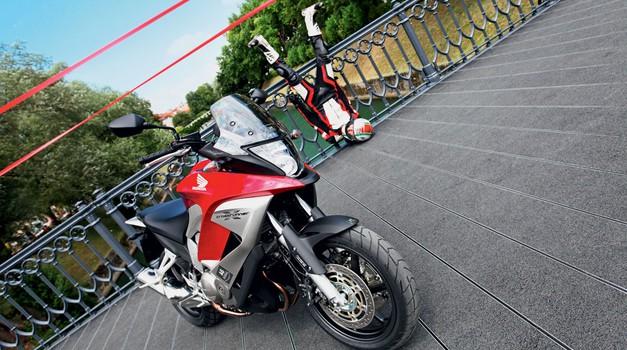Test: Honda VFR 800 X ABS Crossrunner (foto: Saša Kapetanovič)