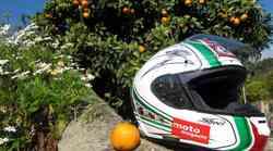 Pomaranča z letnico izdelave 2012