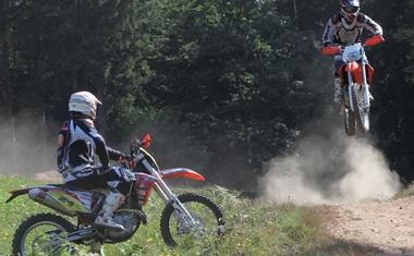 Ta konec tedna terenski praznik v Žireh: Enduro Cross Country, GNES in Tosidos pokal v motokrosu