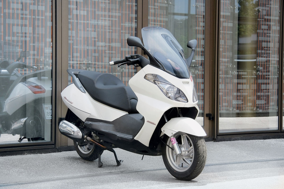 Test: Aprilia Atlantic, Honda SH, Piaggio Beverly in X7 ...