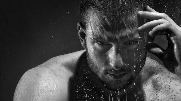 Poživitev in osvežitev za aktivne moške (foto: Shutterstock)