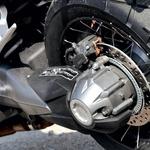 Za prenos navora do zadnjega kolesa je zadolžen odličen kardan. (foto: Aleš Pavletič)