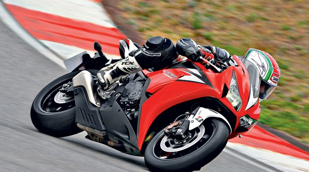 Test: Honda CBR 1000 RR - potrebuje TC ali ne? (foto: Matevž Hribar, Bridgestone)