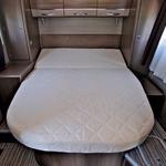V zadnjem delu vas bo razvajala francoska postelja. (foto: Saša Kapetanovič)