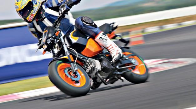 24 ur s Tomosom TT 50 na Racelandu (foto: Saša Kapetanovič, Peter Kavčič, Marko Tončič, Luka Kompare)