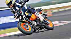 24 ur s Tomosom TT 50 na Racelandu