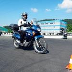 Osnov poznavanja motocikla in vožnje se kandidati naučijo na poligonih. (foto: Matevž Hribar, arhiv)