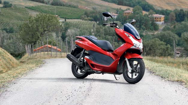 Honda PCX 150: Nekje vmes je ravno prav