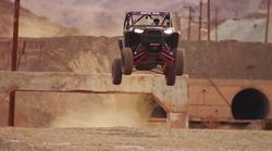 Video: Nori off-road z neverjetnimi kaskaderskimi triki