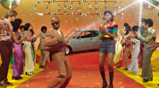 Bil je disko in bila je Corolla (foto: ToyotaUSA @ YouTube)