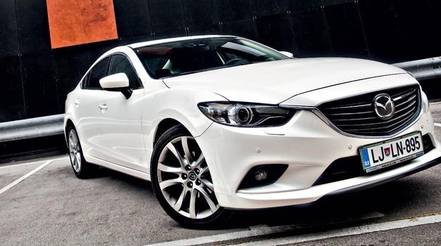 Kratki test: Mazda6 Sedan 2.5i AT Revolution SD