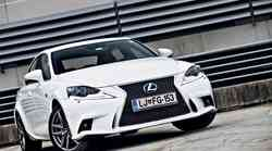 Test: Lexus IS 300h F-Sport Premium