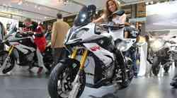 EICMA: BMW S1000XR in F 800 R