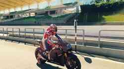 Stoner ponovno na motociklu