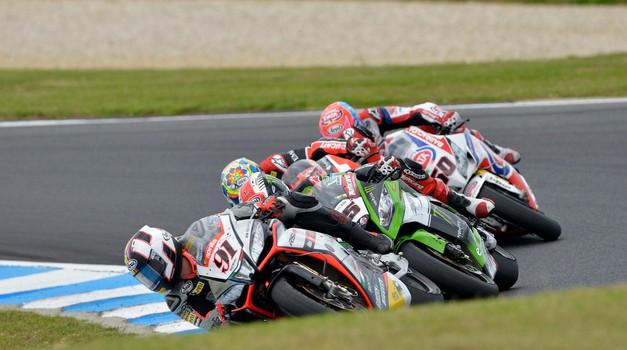 Haslam povedel v prvenstvu Superbike