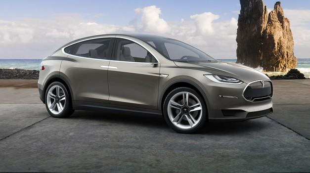 Tesla X na voljo konec poletja (foto: Tesla Motors)