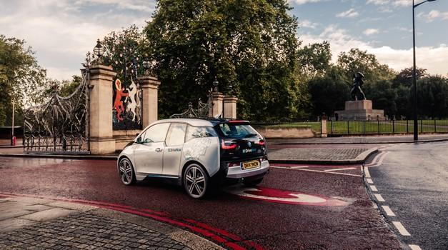 Na svetu več kot milijon električnih avtomobilov (foto: BMW)