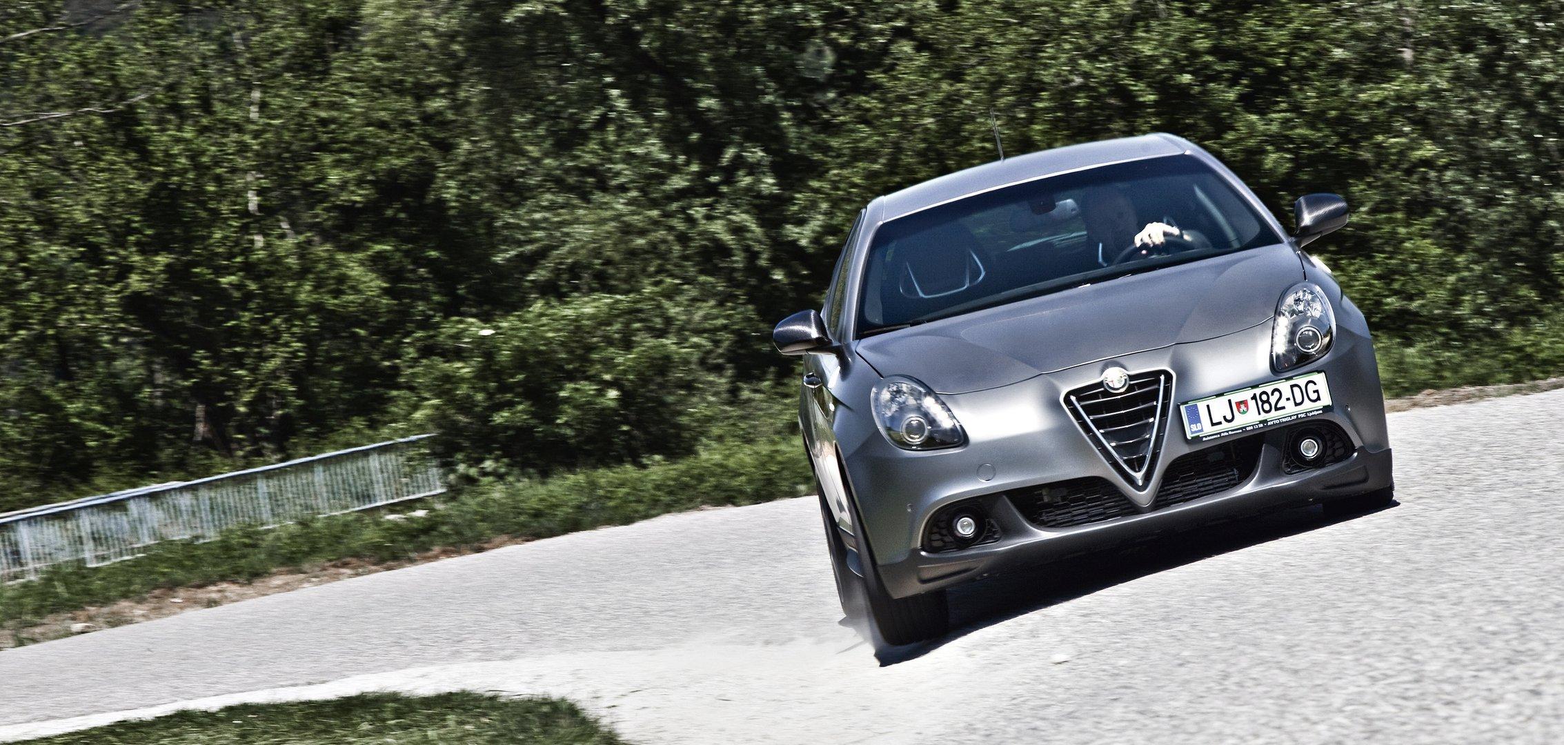 Kratki test Alfa Romeo Giulietta 1750 TBi 16V Qudarifoglio Verde