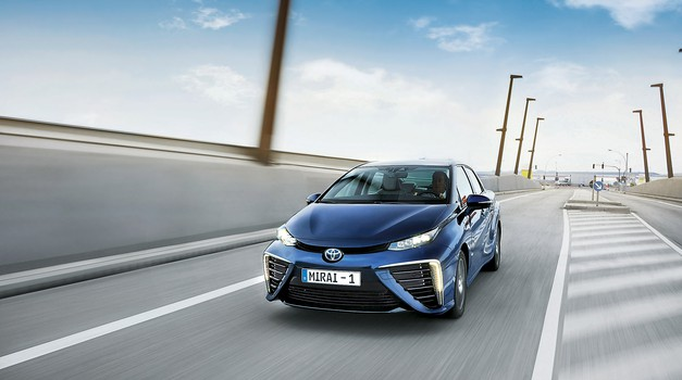 Toyota Mirai:  Avto prihodnosti (foto: Toyota)