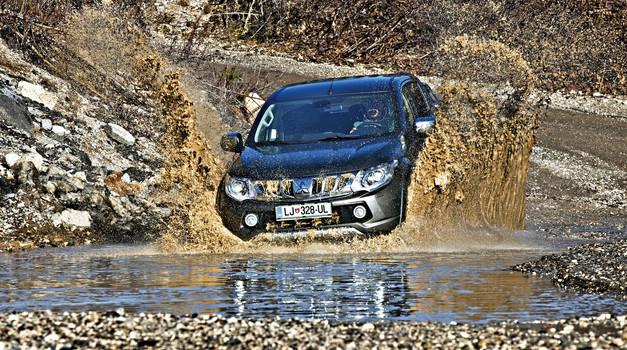 Mitsubishi L200 Double Cab 2.4 DI-D 4WD AT Instyle (foto: Saša Kapetanovič)