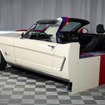 Ford Mustang z dvojnim obrazom na razstavi (foto: Ford)