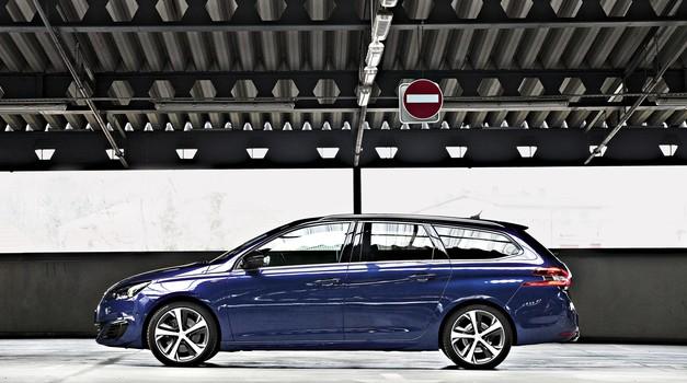 Uf, tale Peugeotov šestopenjski samodejni menjalnik je res pravi blagoslov. (foto: arhiv AM, tovarna)