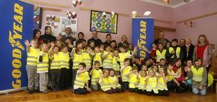 Odsevni brezrokavniki za varno pot otrok v šolo