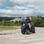 Aktualno: vožnaj maksi skuterja z izpitom za avto - Quadro 3 in Piaggio MP3 500
