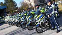Policisti s hitrejšimi motocikli