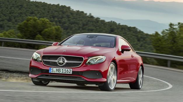 Mercedes-Benz razred E v stilsko privlačni podobi kupeja