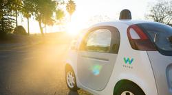 Googlov samovozeči avtomobil dobil ime - in čisto vsem seveda ni všeč