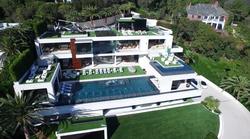 Za 250 milijonov dolarjev si lahko kupite razkošno vilo in v paketu dobite še zbirko avtomobilov