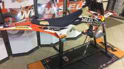 Jaka Seles razvil 'KTM vibrator' za suhi trening: »Nihče ne zdrži več kot minuto.«
