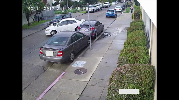 Ko ti nekdo udari avtomobil na parkirišču, lahko iz tega narediš duhovit glasbeni spot (foto: AJ Salas @ YouTube)