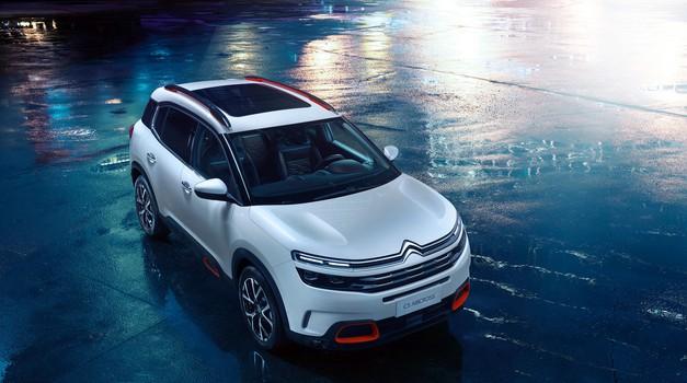 Citroënov novi križanec tudi s priključno hibridnim pogonom na vsa štiri kolesa