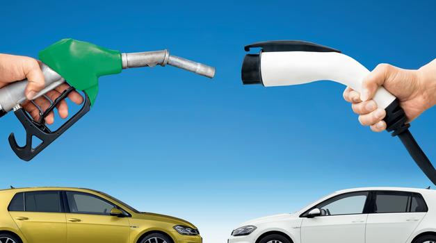 Na elektriko je (lahko) že ceneje! Primerjali smo TSI, TDI in e-Golfa