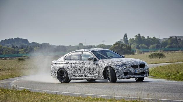 Novi BMW M5 je dobil štirikolesni pogon in postal M5 xDrive