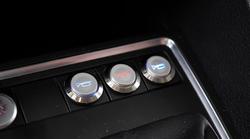 Je morda čas, da v avtomobile uvedejo različne troblje za različna zvočna opozorila?