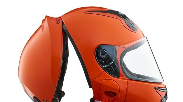 Proizvajalec Vozz o prednostih nenavadne preklopne čelade (foto: Vozz)
