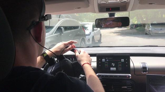 Slovenski študenti razvijajo vmesnik za zmanjšanje obremenitve voznika