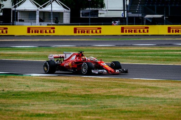 Ferrarijev predlog zaščite kabine z vetrobranom