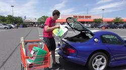 Če vam žena ne pusti kupiti Dodga Viperja, češ, da ni praktičen, ji pokažite ta video