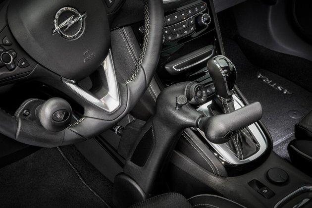Opel Veigel commander