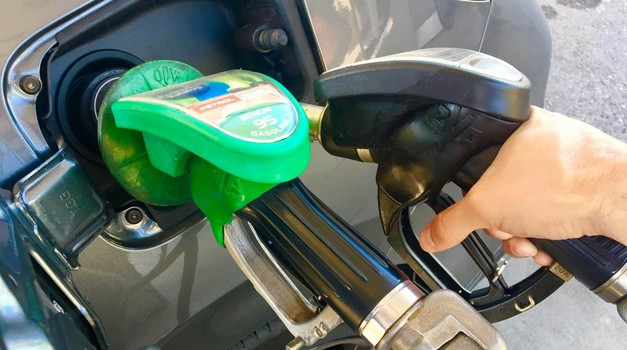 Kaj se zgodi, če v avtomobil natočimo napačno gorivo? (foto: Saša Kapetanović)
